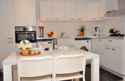 6 Room apartment, Kleiburg